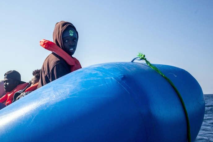 Un des migrants secourus par le navire«SeaWatch3» aux large des côteslibyennes, le 19 janvier.