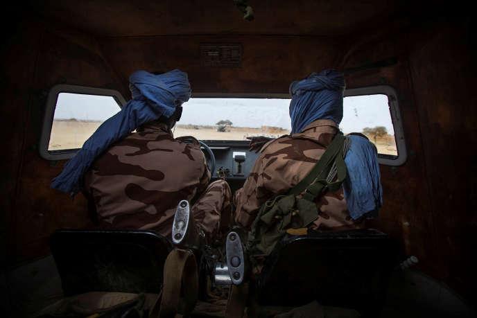 Des soldats tchadiens de la Minusma patrouillent à Kidal, dans le nord-est du Mali, en décembre 2016.