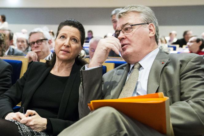 Jean-Paul Delevoye, haut commissaire à la réforme des retraites, avec la ministre de la santé, Agnès Buzyn, le 13 décembre, à Paris.