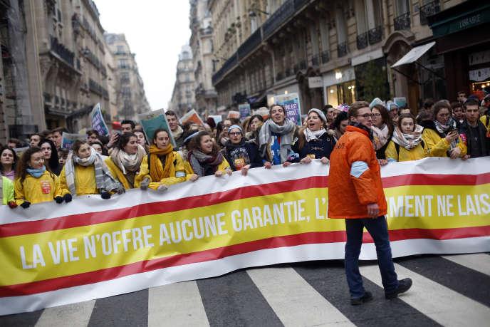 Treizième «Marche pour la vie», pour dire«Stop à la banalisation de l'IVG», à Paris, le 20 janvier.