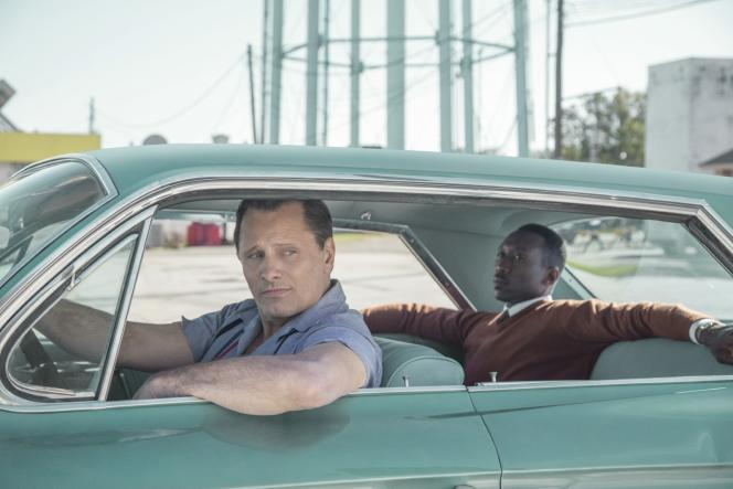 Viggo Mortensen (avec Mahershala Ali) dans « Green Book », de Peter Farrelly.