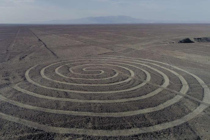 Les géoglyphes du désert de Nazca au Pérou.