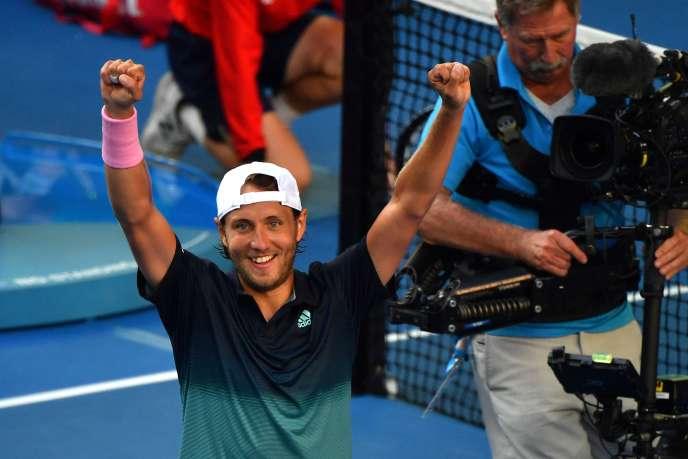 Lucas Pouille après sa victoire contre Milos Raonic, le 23 janvier à Melbourne.