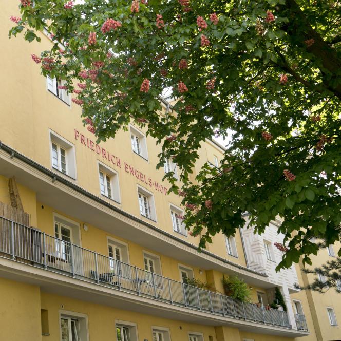 L'un des premiers ensembles de logements ouvriers construits à l'initiative de la mairie dans l'entre-deux-guerres, dans le quartier Simmering, à Vienne (Autriche).