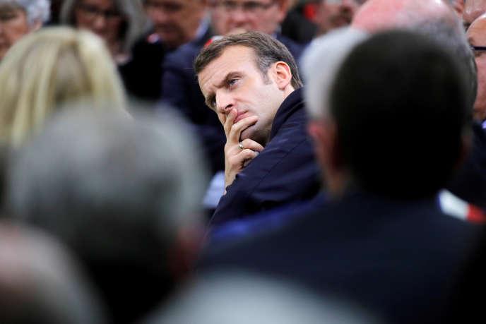 Le chef de l'Etat, Emmanuel Macron, à Bourgtheroulde, en Normandie, le 15 janvier 2019, deuxième étape de son tour de France des maires.