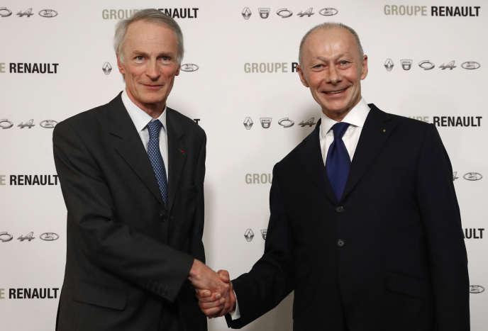 Jean-Dominique Senard président de Renault (à gauche) et Thierry Bolloré, directeur général, au siège social du groupe, à Boulogne-Billancourt (Hauts-de-Seine), le 24 janvier.