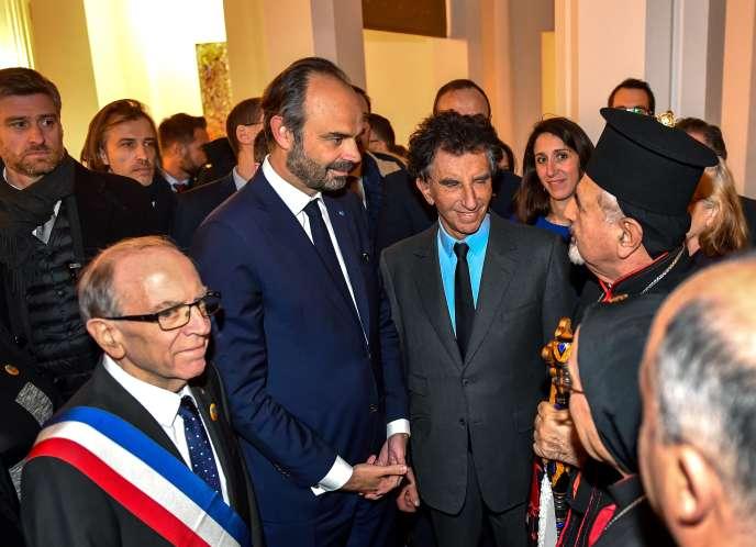 Didier Droart, à gauche, aux côtés du premier ministre, Edouard Philippe (au centre), etdu président de l'Institut du monde arabe, Jack Lang (à droite), à Tourcoing, le22février2018.