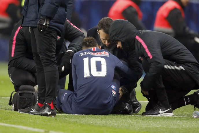 Neymar, blessé contre Strasbourg en Coupe de France, le 23 janvier 2019