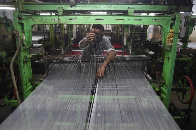 Dans une usine textile à Karachi, le 25 janvier.