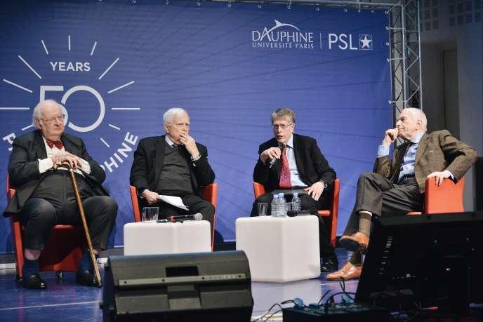 Pour le 50eanniversaire de l'université Paris-Dauphine, quatre prix Nobel : James Heckman (2000), Edmund Phelps (2006), Lars Hansen (2013) et Angus Deaton (2015)ont planché sur ce que sera la théorie économique dans cinquante ans.