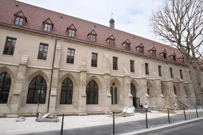 La façade du Collège des Bernardins (Paris 5e) après sa rénovation en septembre 2008.