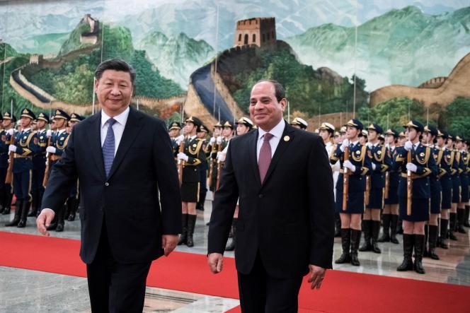 Le président chinois Xi Jinping (à gauche) et son homologue égyptien Abdel Fattah Al-Sissi lors du Forum Chine-Afrque, à Pékin, le 1er septembre 2018.