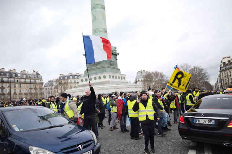 Plusieurs cortèges de« gilets jaunes» ont convergés vers la Place de la Bastille, à Paris.