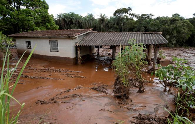 Le torrent de boue a recouvert les terrains et les habitations des environs de Brumadinho, dans l'Etat du Minas Gerais.