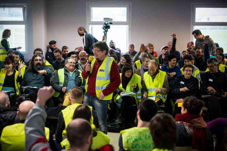 À Sorcy-Saint-Martin dans la Meuse, des délégations de «gilets jaunes» de la France entière sont présentes pour une journée de débat appellée« l'Assemblée des Assemblées».