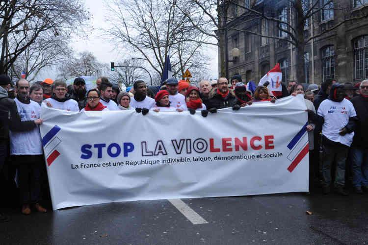 La tête de cortège de la« Marche républicaine» quitte la Place de la Nation à Paris le 27 janvier.