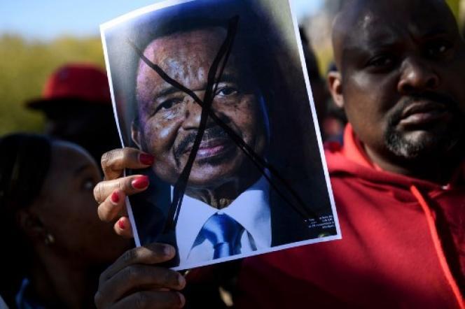 Protestation contre Paul Biya devant la Maison Blanche à Washington le 22 octobre 2018.