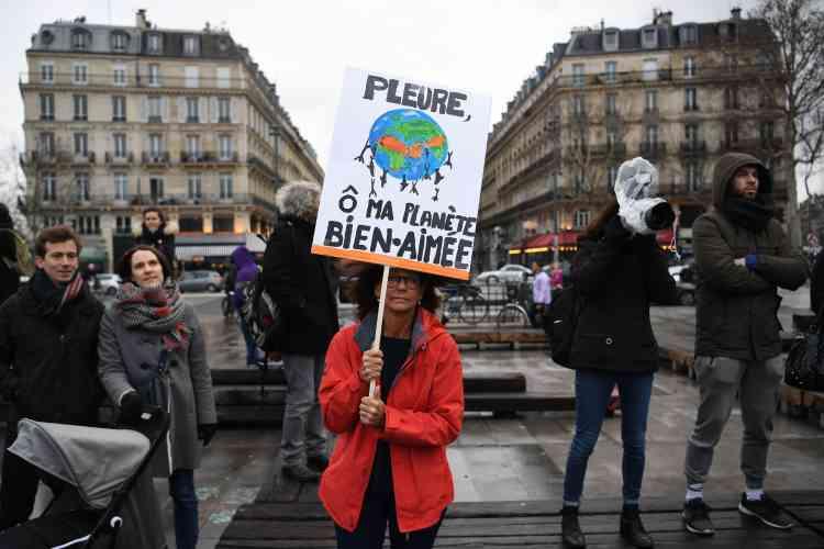 Au même moment sur la Place de la République se déroulait la« Marche pour le Climat», dans le calme également.