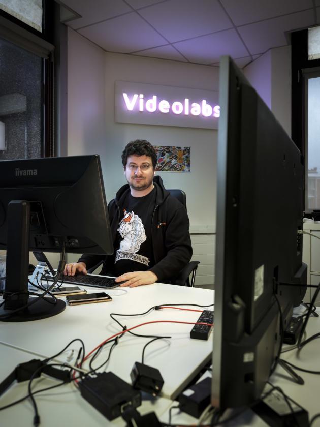 Jean-Baptiste Kempf, ingénieur et président de l'association VideoLAN,dans les locaux de VLC, à Paris, le 22 janvier.