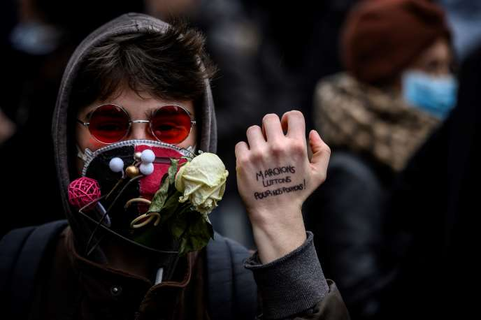 Lors du rassemblement pour dénoncer l'inaction des Etats sur le réchauffement climatique, à Lyon, le 27 janvier.