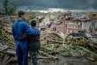 Des résidents de Regla accablés par les dégâts causés à leur quartier.