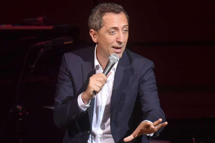Gad Elmaleh sur scène à New York, en septembre 2018.