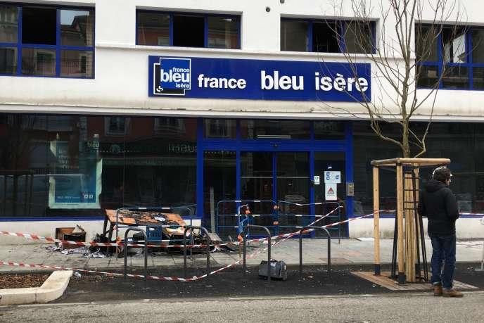 Les locaux de France Bleu Isère au lendemain de l'incendie, à Grenoble, le 28 janvier.