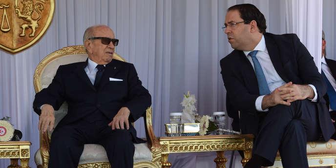 Les partisans du premier ministre tunisien, Youssef Chahed, ont créé le 27 janvier 2019 le parti Tahya Tounès, futur concurrent du parti du président Béji Caïd Essebsi, Nidaa Tounès. Les deux hommes à Tunis le 25 juin 2018.