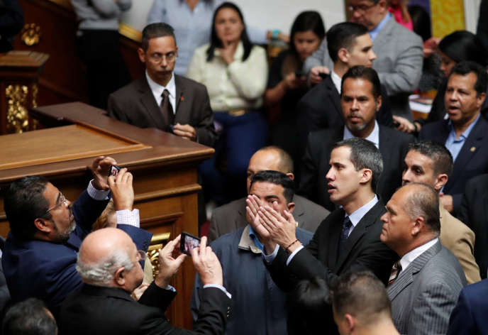 Juan Guaido, président autoproclamé du Venezuela, lors d'une session du Parlement à Caracas, lundi 29 janvier 2019.