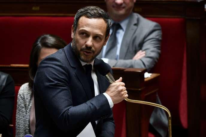 Le député LRM des Hauts-de-Seine Adrien Taquet, 42 ans, fait son entrée au gouvernement comme secrétaire d'Etat chargé de la protection de l'enfance, nomination annoncée le 25 janvier par l'Elysée.