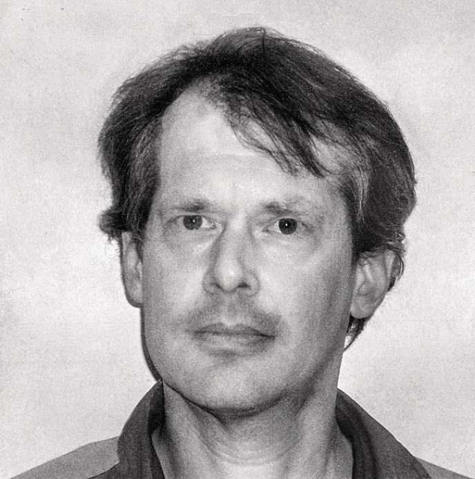 Père de famille, diplômé en art, et héroïnomane, Curtis Dawkins a été condamné, en 2005, à perpétuité pour meurtre lors d'un braquage.