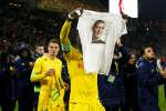 Le stade La Beaujoire, de Nantes, a rendu hommage au footballeur italo-argentin Emiliano Sala, dont l'avion a disparu le 21 janvier au-dessus de la Manche.