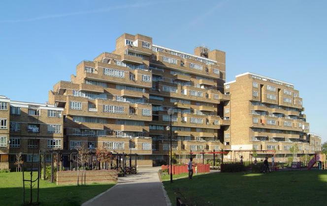 En forme de bâteau, les Dawson Heights, de l'architecteKate Macintosh, constituent l'un des ensembles les plus remarquables du Royaume-Uni.