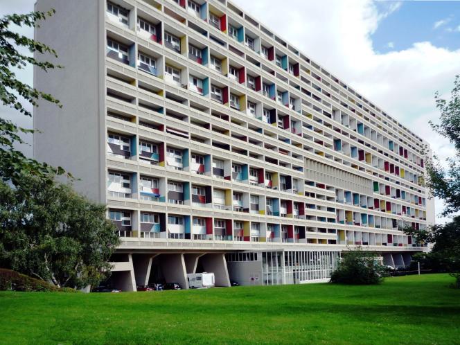 La Corbusierhaus, à Berlin, doit son nom à son concepteur, l'architecte franco-suisse Le Corbusier, et est classée monument historique.