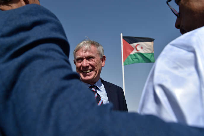 L'émissaire de l'ONU pour le Sahara occidental, Horst Köhler, visite le camp de réfugiés d'Aousserd, le 18octobre 2017, à Tindouf, en Algérie.