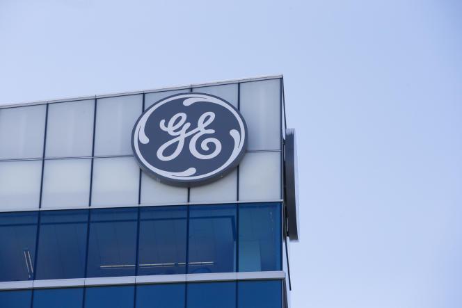 Le groupe américain General Electric (GE) va devoir créer « un fonds de réindustrialisation doté de 50 millions d'euros», faute d'avoir tenu ses engagements en matière de création d'emplois aprèsl'acquisition de la branche énergie d'Alstom, en2014.