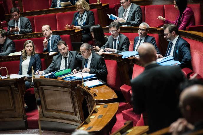Discussion de la loi «anticasseurs» à l'Assemblée nationale le 30 janvier.
