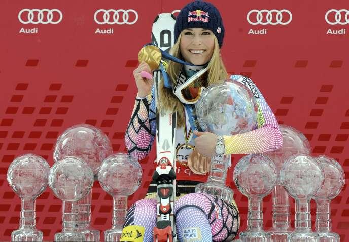 Lindsey Vonn entourée de l'ensemble de son palmarès, déjà imposant, le13mars2010, dans la station de Garmisch-Partenkirchen, en Allemagne.
