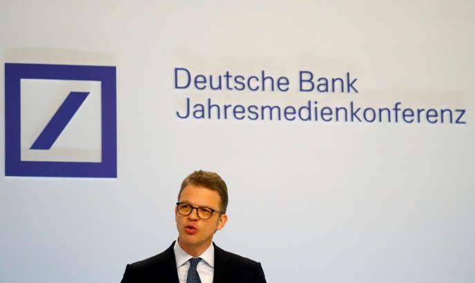 Christian Sewing, PDG de la Deutsche Bank, vendredi 1er février, à Francfort.