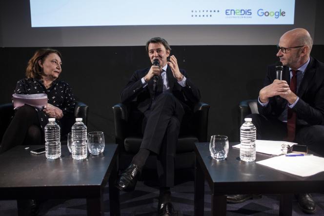 François Baroin, invité du Club de l'économie du « Monde»jeudi 31 janvier, entouré par Françoise Fressoz et Philippe Escande, éditorialistes.