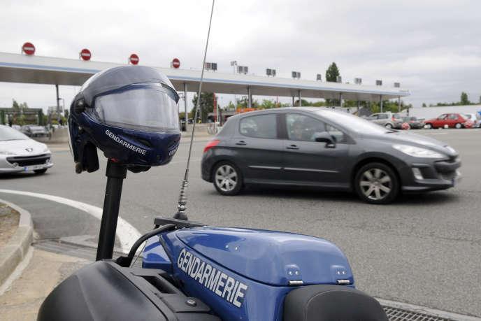 «Les Françaises et les Français attendent que les sociétés d'autoroutes soient à la hauteur d'un modèle éthique et d'un développement économique renouvelé.» (Photo: Ancenis, péage sur l'autoroute 11.)