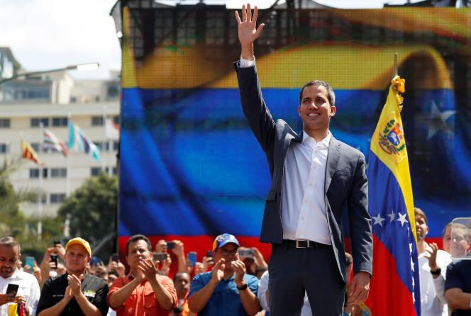 Le chef de l'opposition Juan Guaido a retrouvé lui aussi ses partisans rassemblés à Caracas, le 2 février.