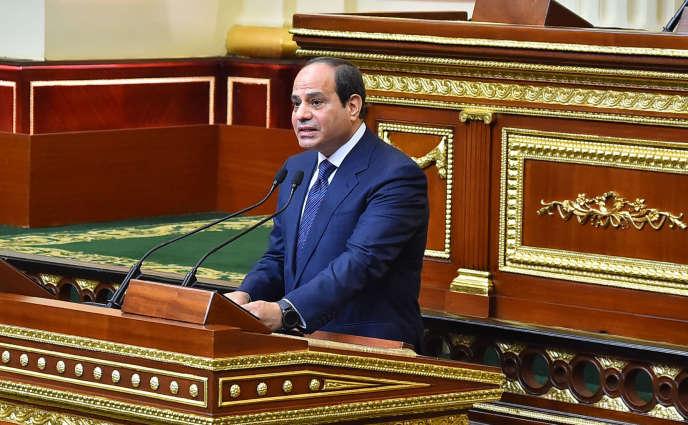Le président, Abdel Fattah Al-Sissi, lors de sa prestation de serment, au début de son second mandat, devant le Parlement, au Caire, le 2 juin 2018.