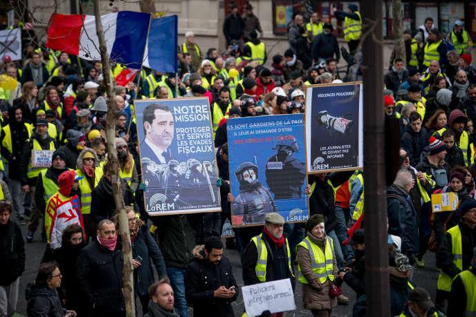 Lors de l'acte XII du mouvement, le 2 février à Paris. Le cortège a rendu hommage aux victimes des violences policières.