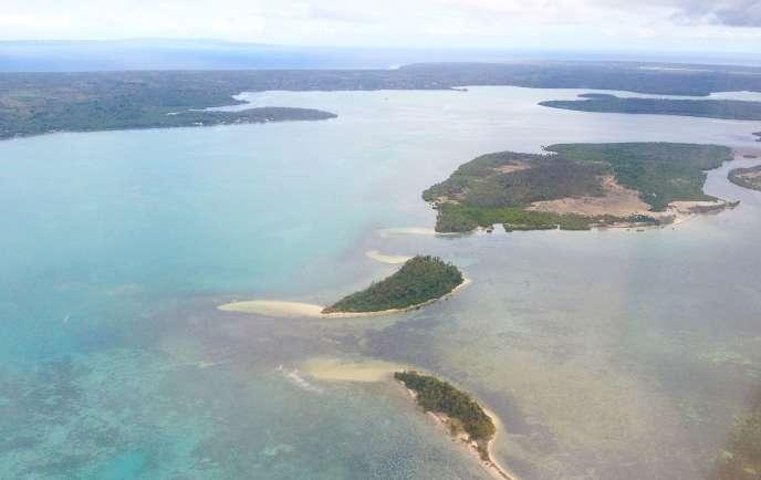 L'archipel des Tonga regroupe environ 170îles et 100000habitants.