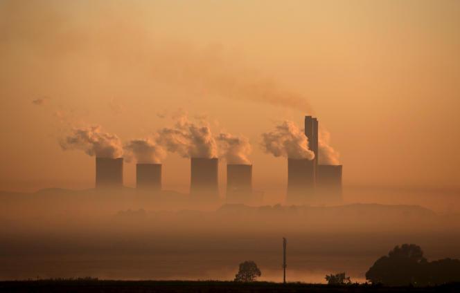 La centrale à charbon de Lethabo, appartenant à la compagnie d'électricité publique Eskom, près de Sasolburg, en Afrique du Sud, en mars 2016.