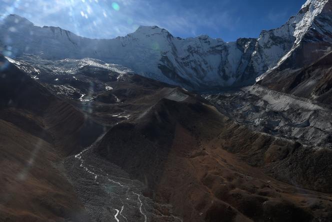 La région montagneuse de l'Hindou-Kouch-Himalaya (HKH) est qualifiée de « troisième pôle » par les scientifiques pour ses gigantesques réserves de glace.