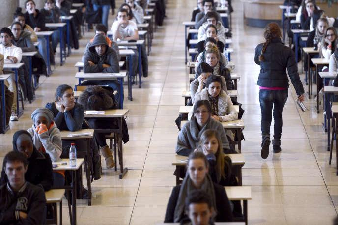 Les filles représentent désormais près de 70 % des inscrits en première année commune aux études de santé (Paces), et encore six sur dix des étudiants en deuxième année de médecine.