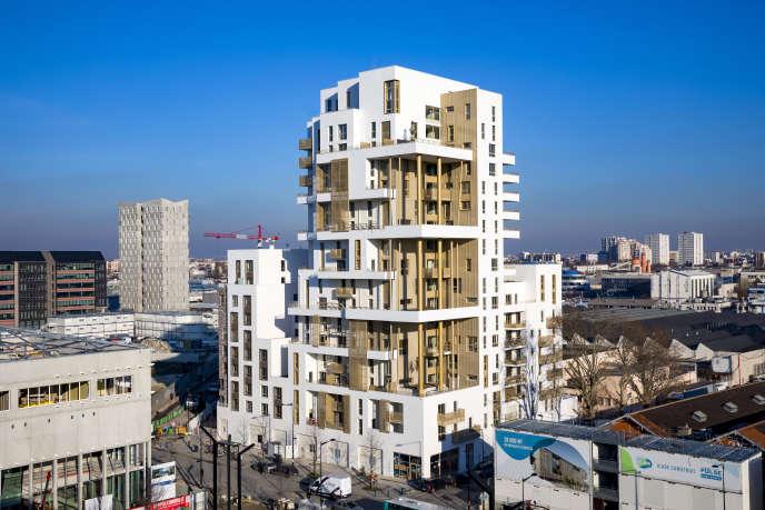 Les architectes de la tour de Nexity tentent de concilier rêve de maison individuelle et lutte contre l'étalement urbain.
