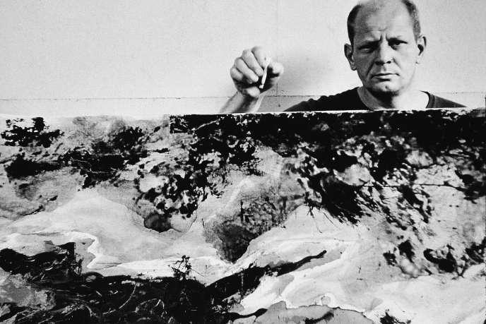 Le peintre expressionniste américain Jackson Pollock (1912-1956) à New York en 1953.